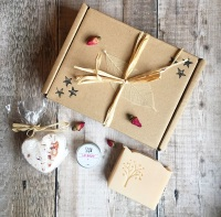 Peace and love gift box
