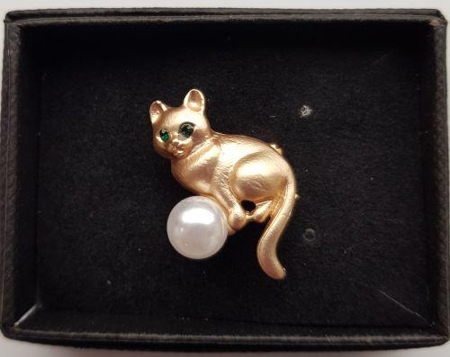 Brooch - Cat