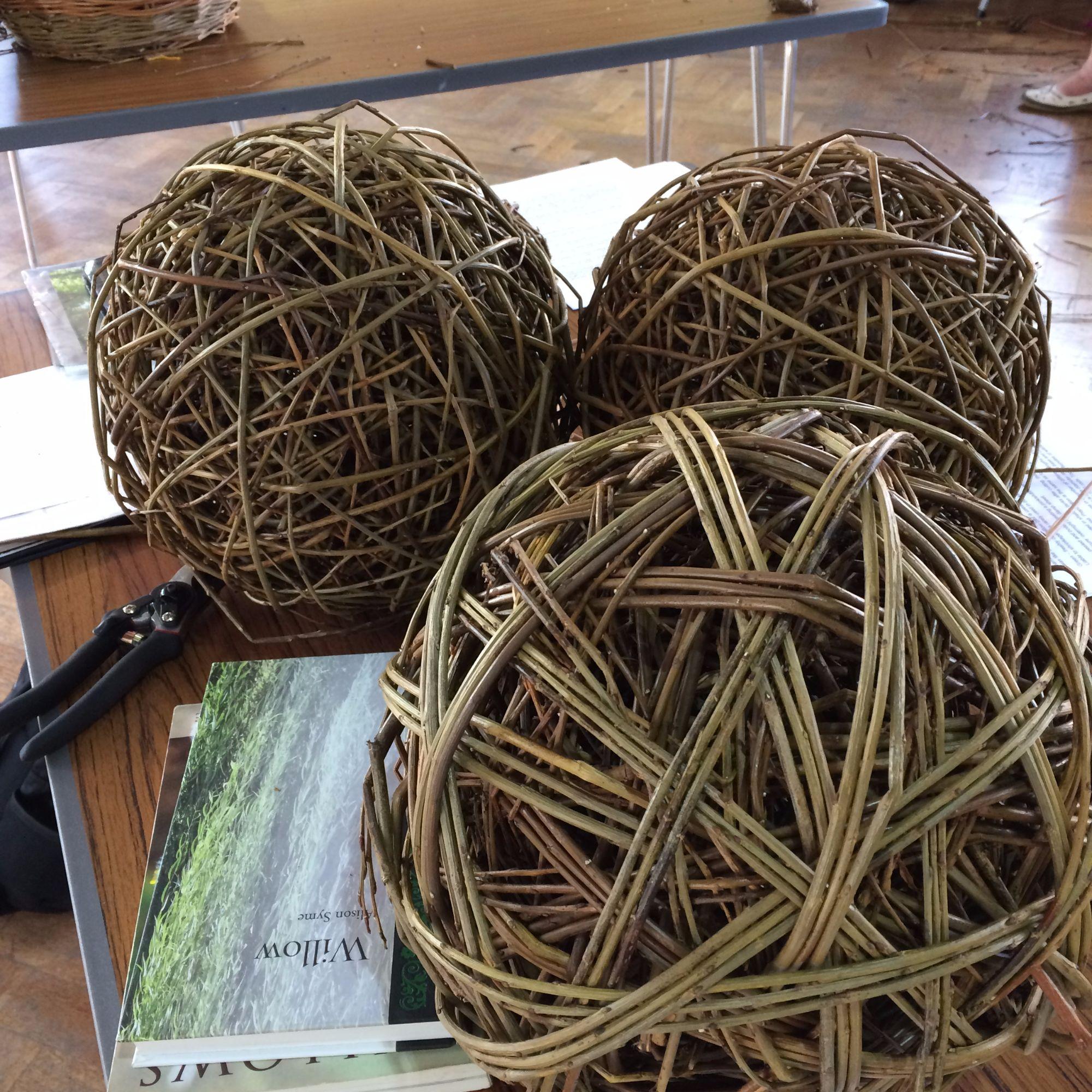 Willow Sphere Sculpture Workshop - Weaving