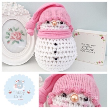 Small snowman with Bobble Hat - Pink