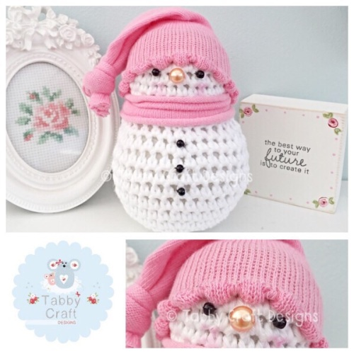 ***Made To Order*** Small snowman with Bobble Hat - Pink