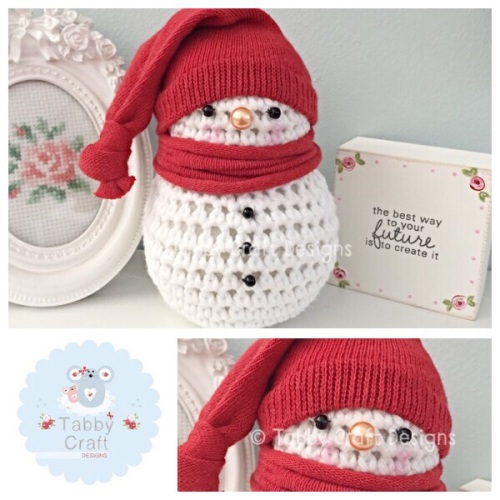 ***Made To Order*** Small snowman with Bobble Hat - Red