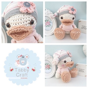 Beanie Duck in Jumper - Grey and Pink