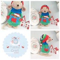 Winter Standing Mouse with Beanie Hat and Robin Onesie - Beige, Blue and Green