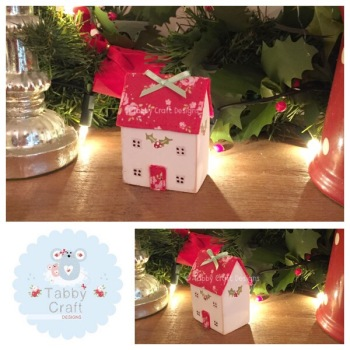 Wooden Christmas Cottages - Ivory and Red Large Floral Fabric