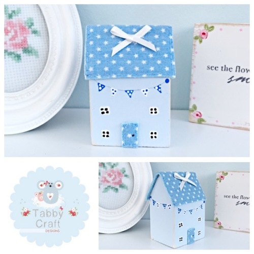Distressed Wooden Bunting Cottage - Blue and Blue Fabric
