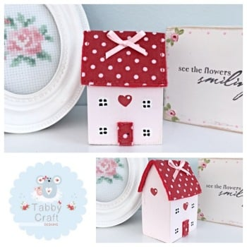 Distressed Wooden Heart Cottage - Pink and Red Fabric