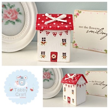 Distressed Wooden Spotty Bunting Cottage - Ivory and Red Fabric