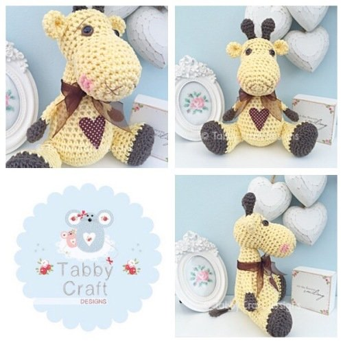 Sitting Giraffe with Bow and Heart - Yellow and Brown