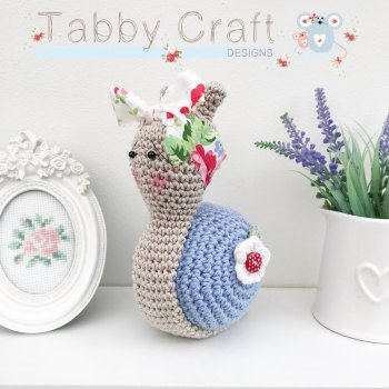 Snail with Large Floral Bow  -  Bluebell and White