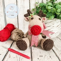 Sitting Reindeer with Large Bow - Beige, and Red Gingham