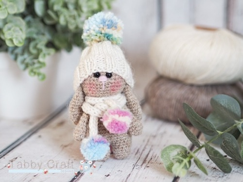Little Bunny with Pom Pom  Hat and Scarf    - Beige and Cream