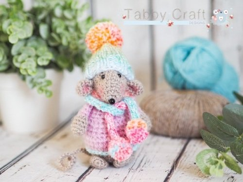 Little Mouse with Pom Pom Hat and Scarf    - Beige and  Multi