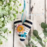 Hanging Breton Hugs Heart with Liberty Flower - Navy, Ivory and Mustard