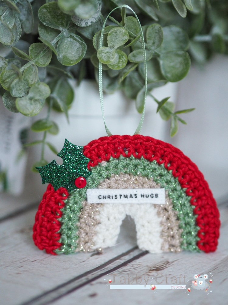 Hanging Mini Rainbow Decoration with Christmas Hugs Sentiment  -  Red, Gree