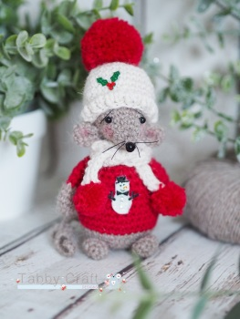 Christmas Standing Mouse with Hat and Scarf   - Brown and Red