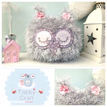 Fluffy Sleeping Baby Owlet - Grey and Pink