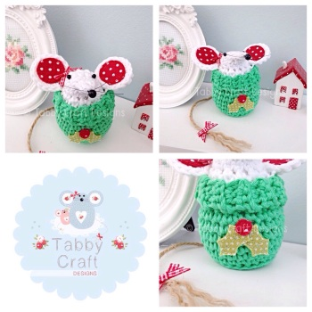 ***PRE-ORDER*** Small Christmas Jump Mouse - White and Green