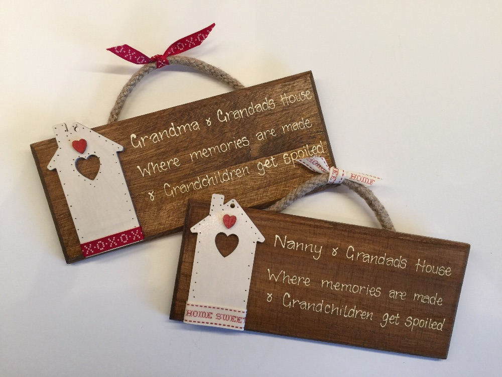 Wooden Hanging Signs & Gift Tags