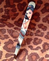 Pin-Up Girl Tweezers