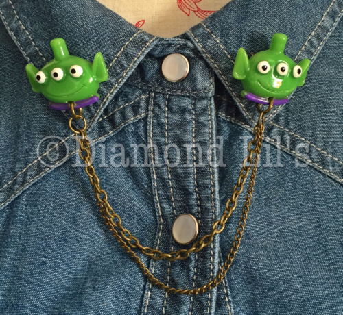 Alien Collar Pins