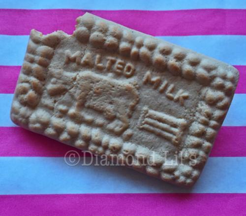 Malted Milk Biscuit Brooch