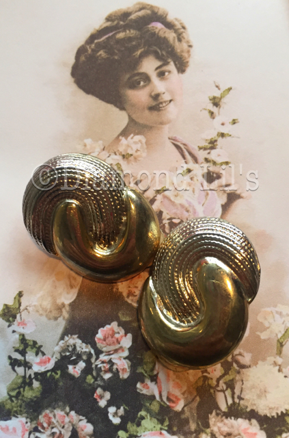Retro Gold Tone Clip On Earrings