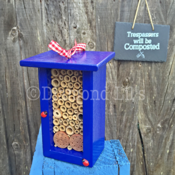 Insect House/Bug Hotel (Blue)