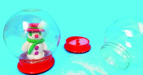 Make Your Own Snow Globe Kit - 9 x 7cm - Each