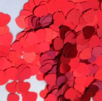 Sequins - Red Hearts - 8mm - 100g Tub - Each