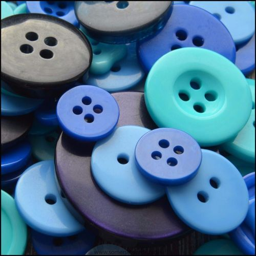 35g Mixed Blue Buttons