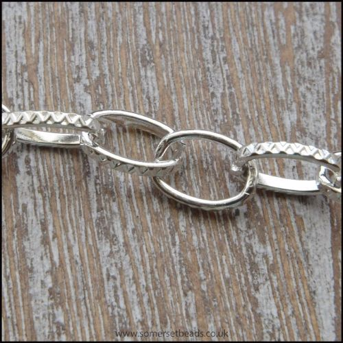 Silver Plated Patterned Oval Link Chain