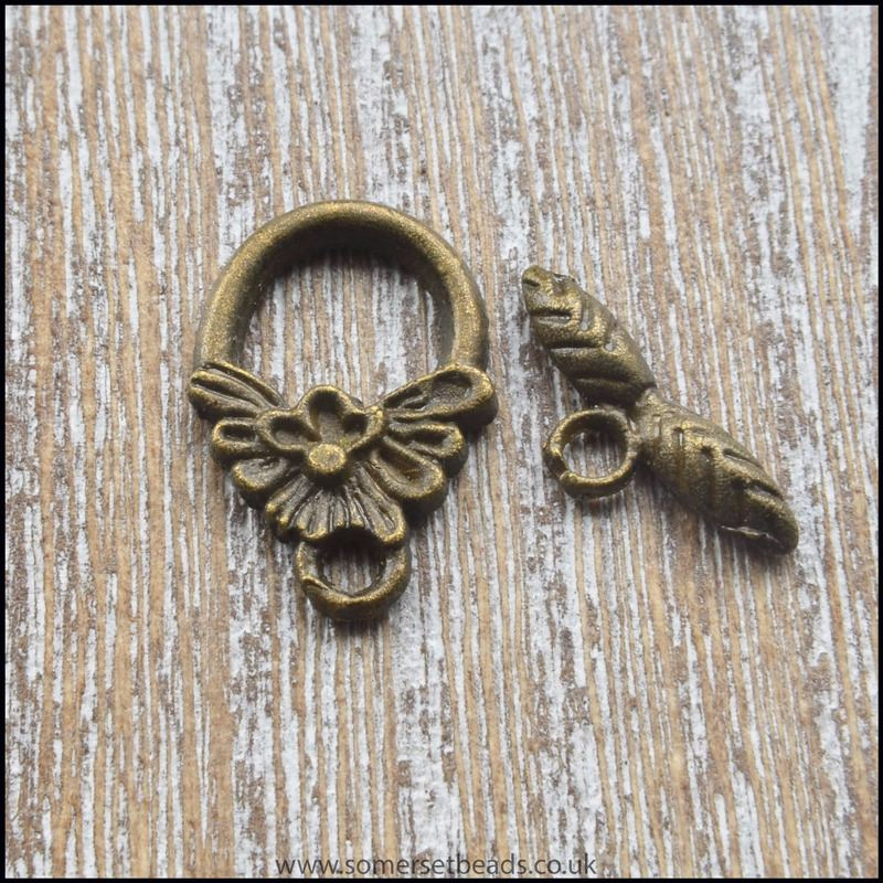 Small Bronze Tone Tibetan Style Leaf Toggle Clasps