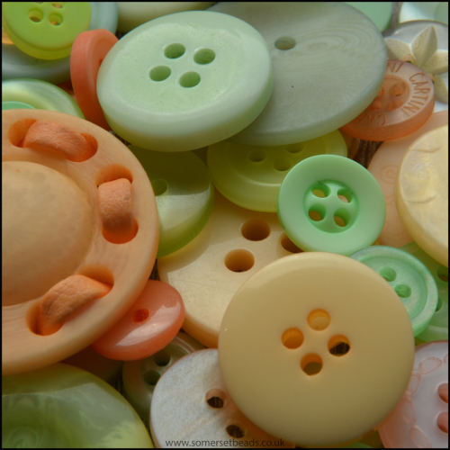 Peach & Green Button Mix- Pack of 50.