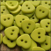 11mm Green Resin Heart Shaped Buttons