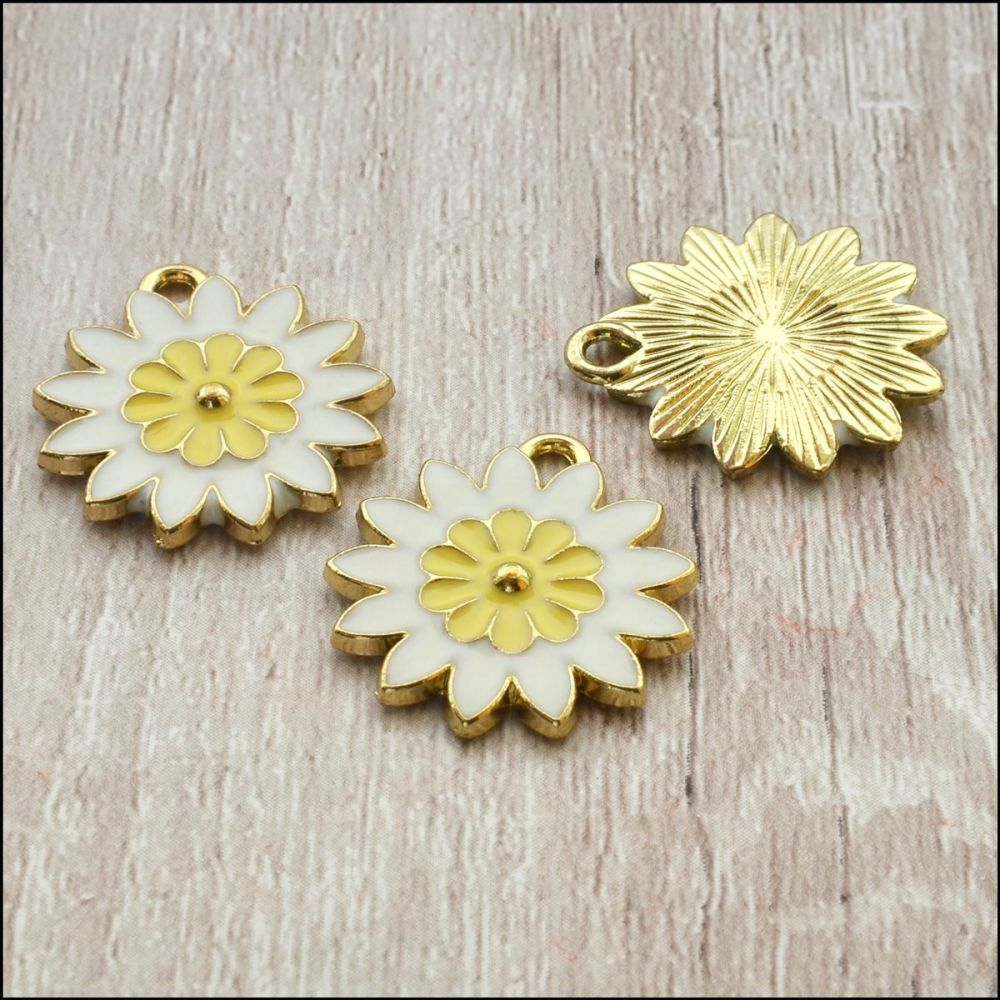 Enamel Daisy Charms  21mm