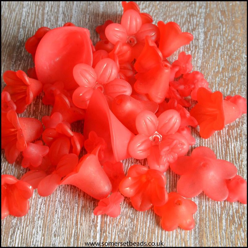 25g Red Lucite Flower Beads