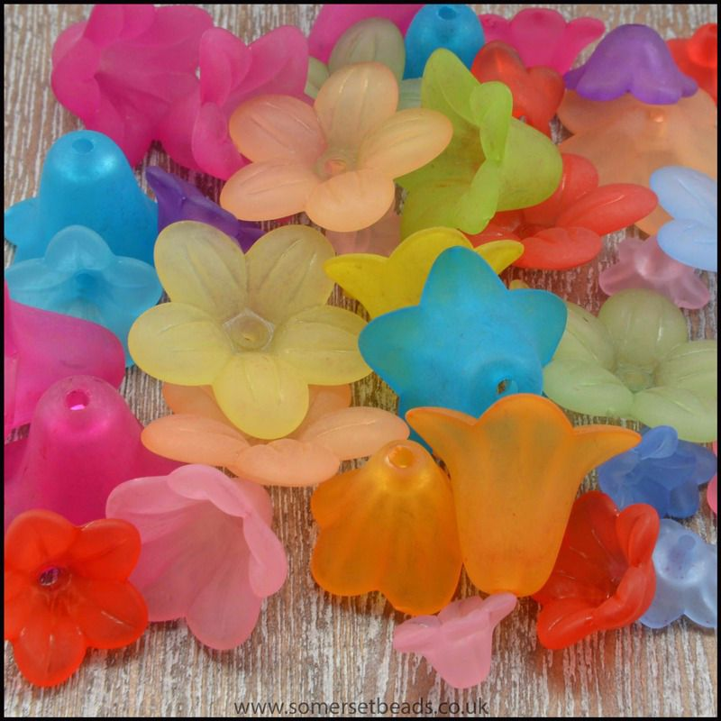 25g Mixed Lucite Flowers