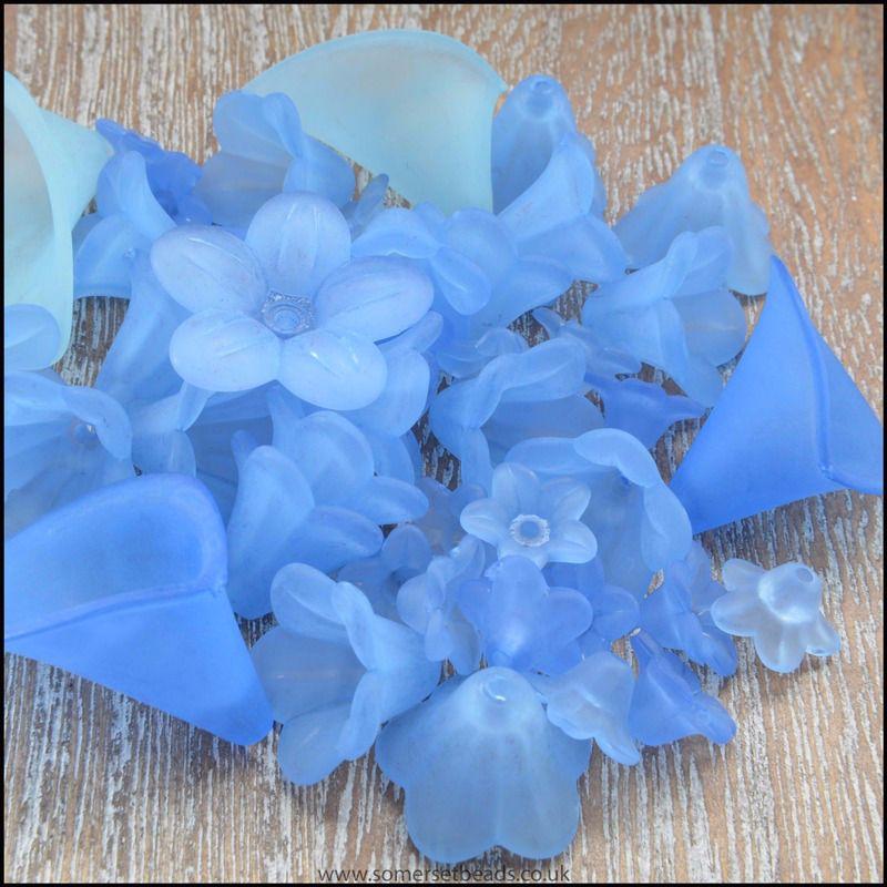 25g Mixed Blue Lucite Flower Beads