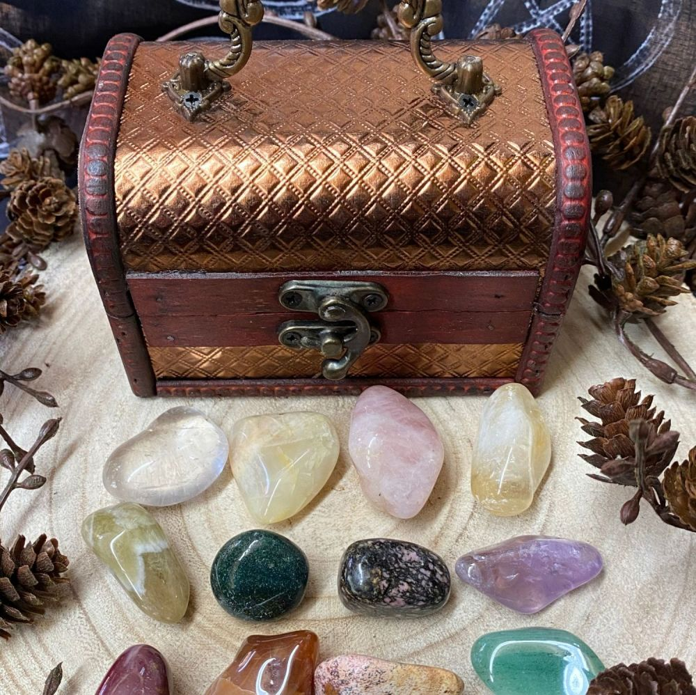 Crystal Keepers Chest and 10 Crystals