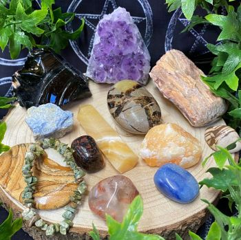 *** Crystal Collectors Box ~ October Box released 8pm Friday 15th October **