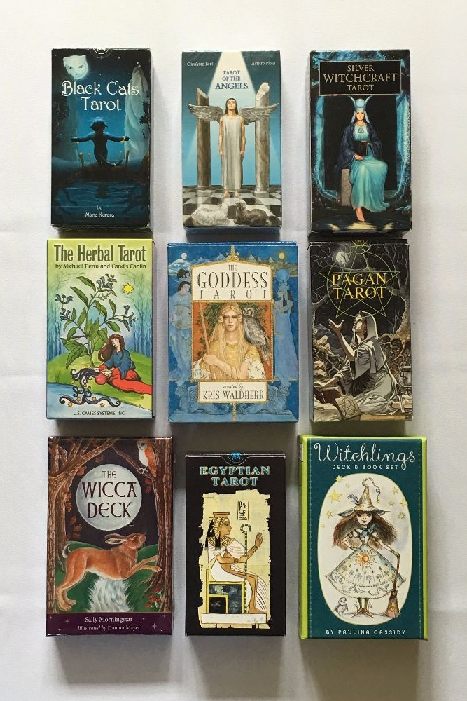 Tarot Cards ~ Oracle Decks ~ Accessories