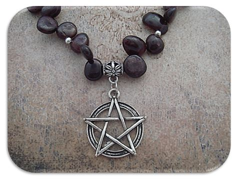 Close up Garnet Pentagram Necklace sistersofthemoon.org.uk