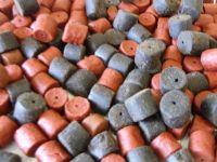 3kg Sealed pack 50/50 Mix 20/22mm Shrimp & Krill & Marine Halibut Pre-Drill Hook Pellets.