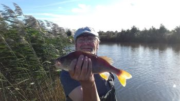 Fishing Venue : Float Fish Farm, Peterborough, Cambridgeshire, PE73DZ