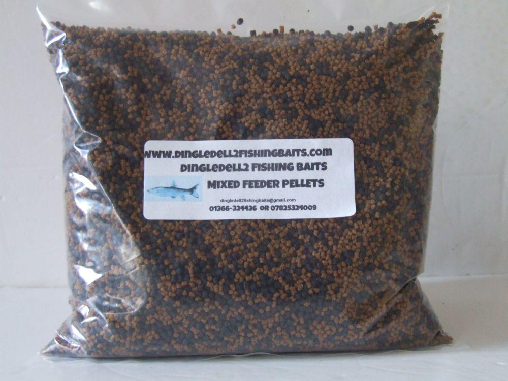 900 gram Pack Micro Sinking FeederPellets, Dark Trout Elite & Carp Coarse F