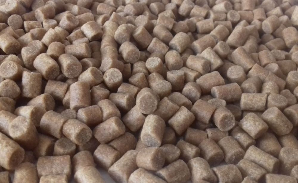 1.500 kg Skrettings /Coppens 4.5 Carp Coarse Sinking Feeder Pellets.