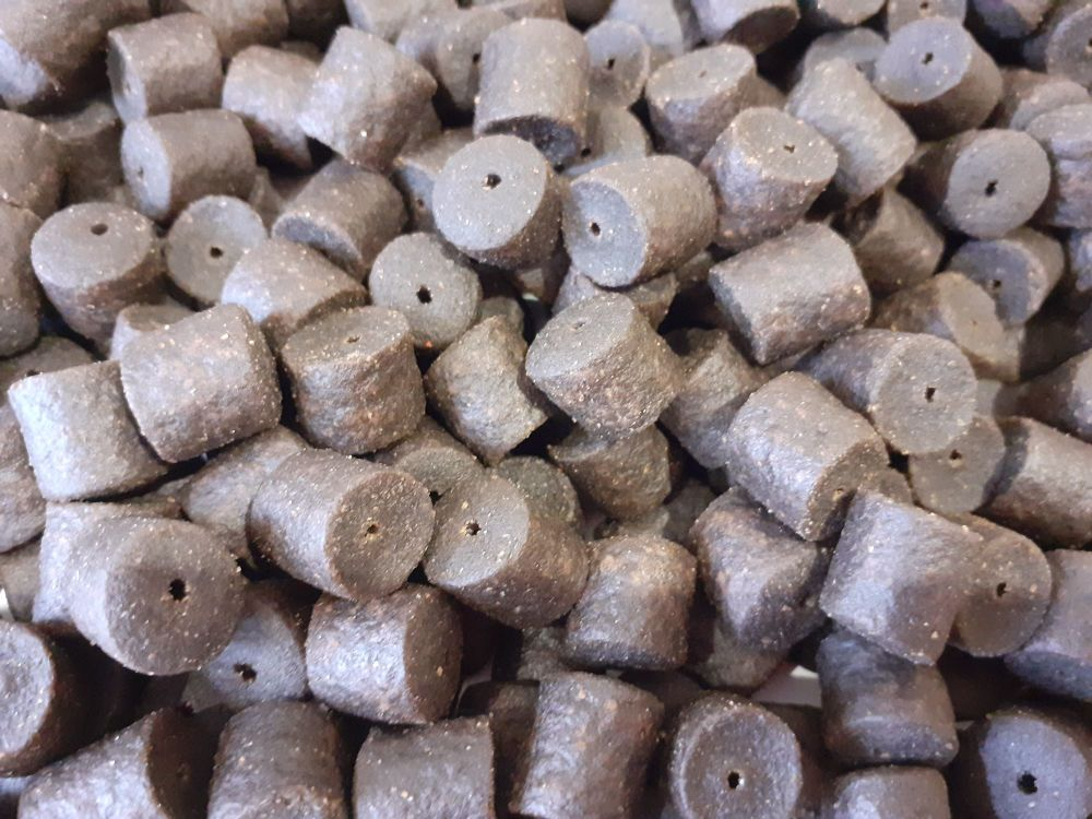 900 gram Sealed pack Coppens 8mm Pre-Drilled Hook Pellets
