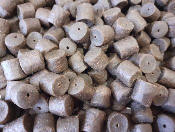 900 gram 8mm Coppens Marine Halibut Pre-drilled hook pellets,