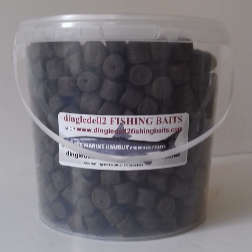 1.500 kg Carry Bucket 14mm Dark Marine Halibut Pre-Drilled Hook Pellets